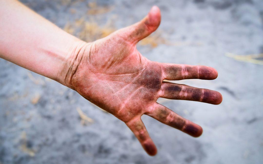 Overeenkomst naturisme, schone neus en schone handen